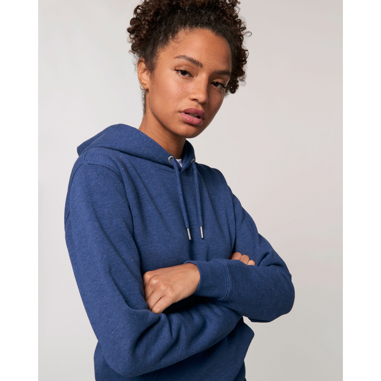https://tee-shirt-bio.com/10121-thickbox_default/sweat-shirt-femme-capuche-epais-et-interieur-doux-coton-bio-beau-bleu-chine.jpg
