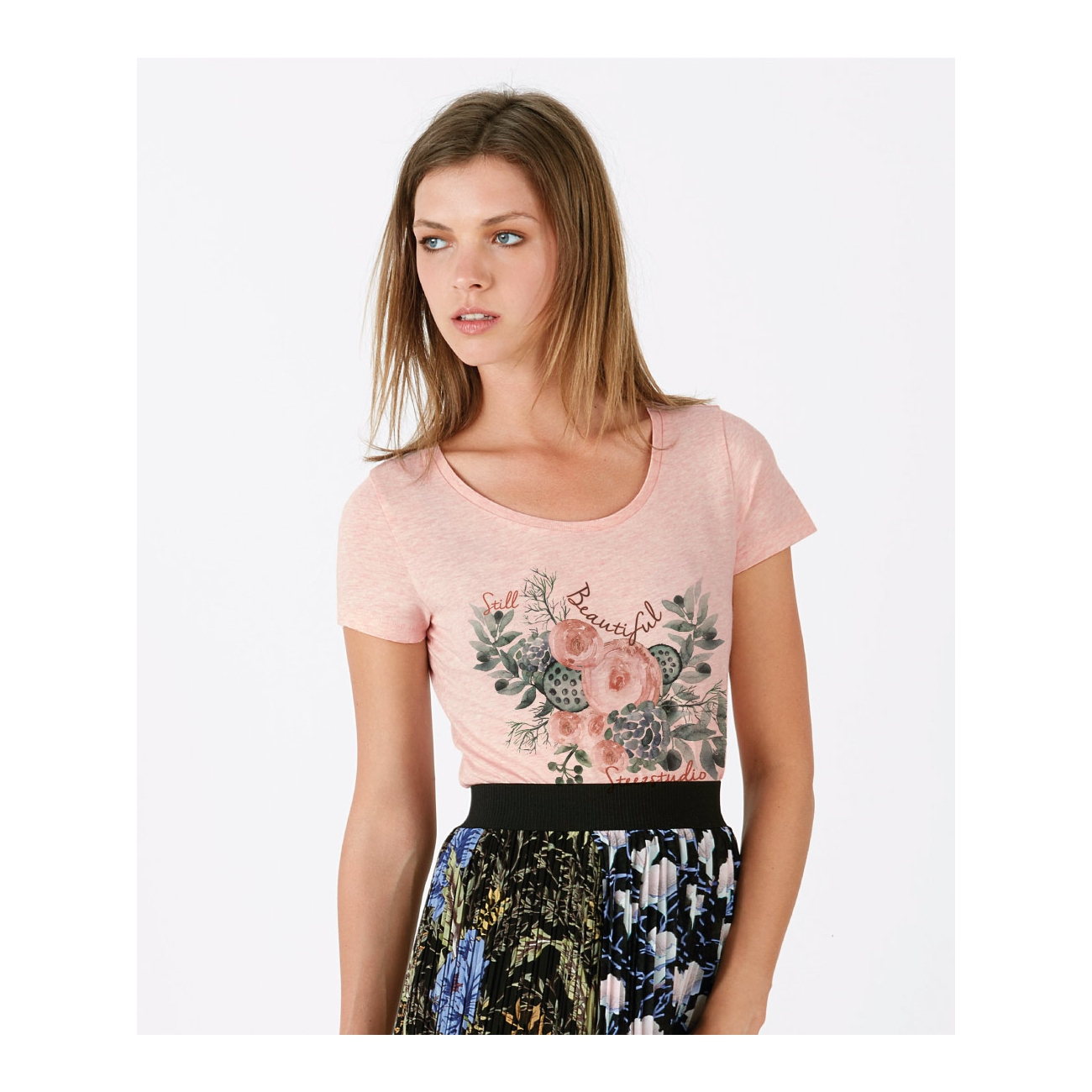 https://tee-shirt-bio.com/4487-thickbox_default/tee-shirt-rose-tendre-chine-femme-impression-cerf-space-coton-bio-equitable-mode-bio-ethique-imprime-bouquet.jpg