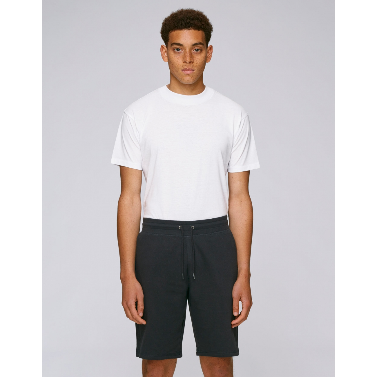 https://tee-shirt-bio.com/5933-thickbox_default/short-de-jogging-en-coton-bio-noir-pour-homme.jpg
